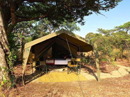 Nkonzi Camp, South Luangwa, Zambia